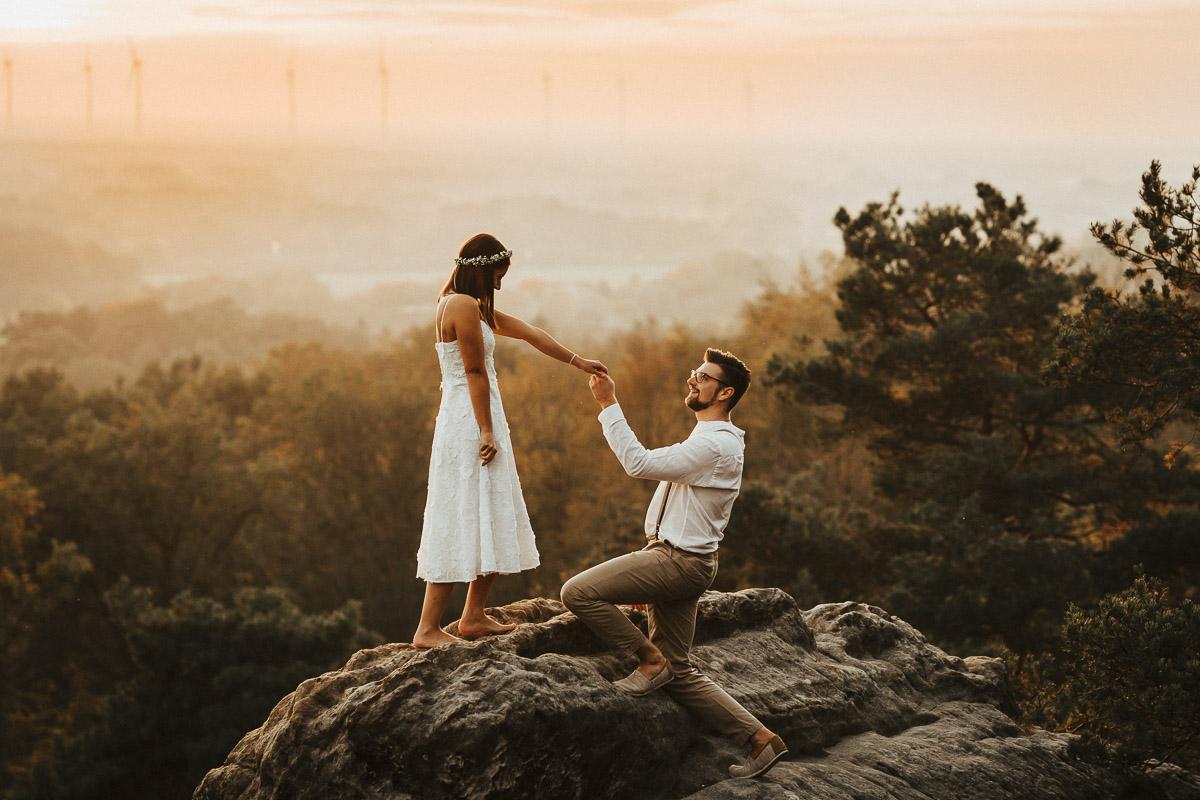 verlobungsshooting ibbenbuehren prewedding engagement doerenther klippen - karina sowa